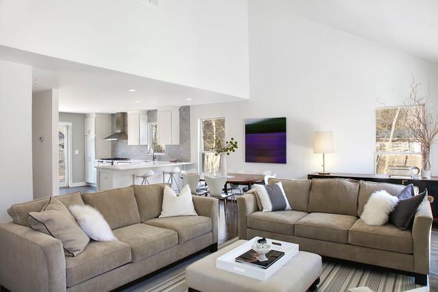 East hampton beach house transitional living room - Green living room ideas in east hampton new york ...