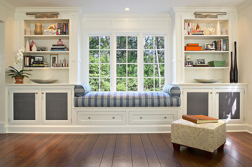 beautiful window seat and built in cabinets - Beautiful Window Seats