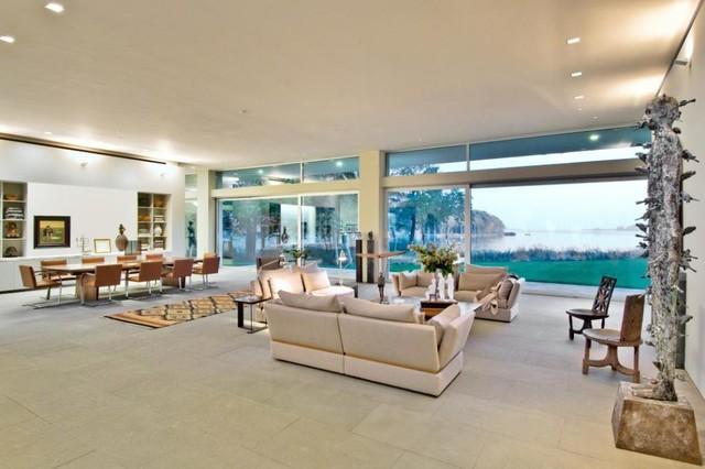 East Hampton, NY Residence modern-living-room
