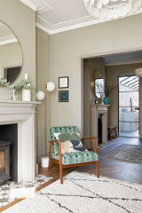 Houzz Tour: A Chic Scheme Stylishly Updates a Family Home