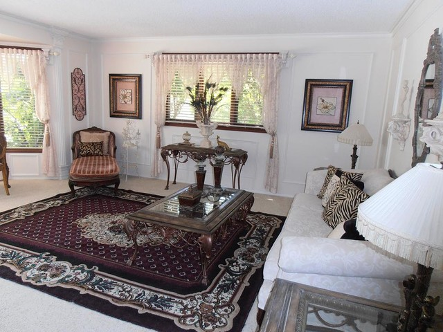 Eclectic transitional living room traditional living for Traditional eclectic living rooms