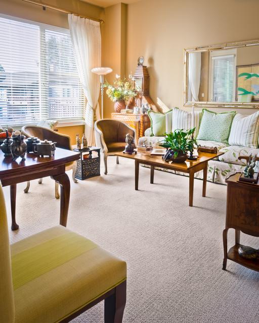 Elegant retirement living traditional living room for Elegant traditional living rooms