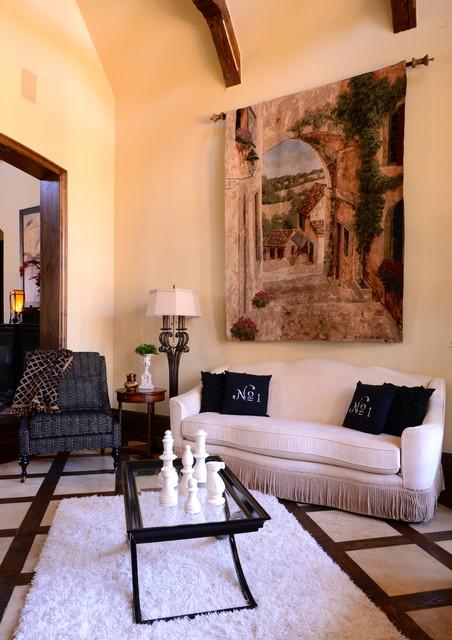 Elegant traditional traditional living room dallas for Elegant traditional living rooms
