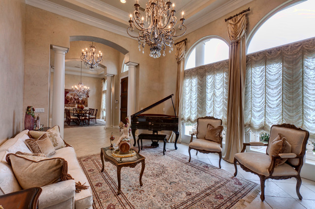 Elegant traditional home traditional living room for Elegant traditional living rooms