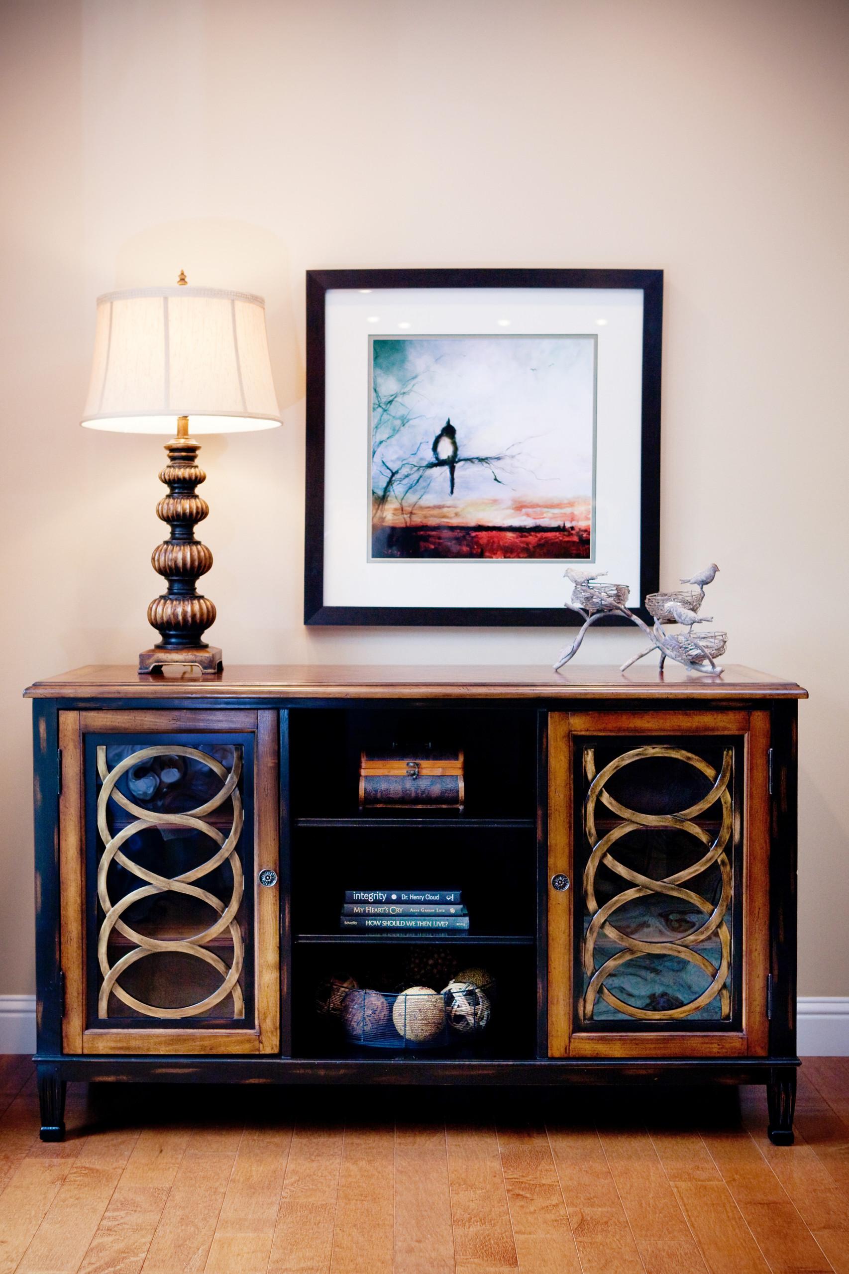 Elegant transitional family room