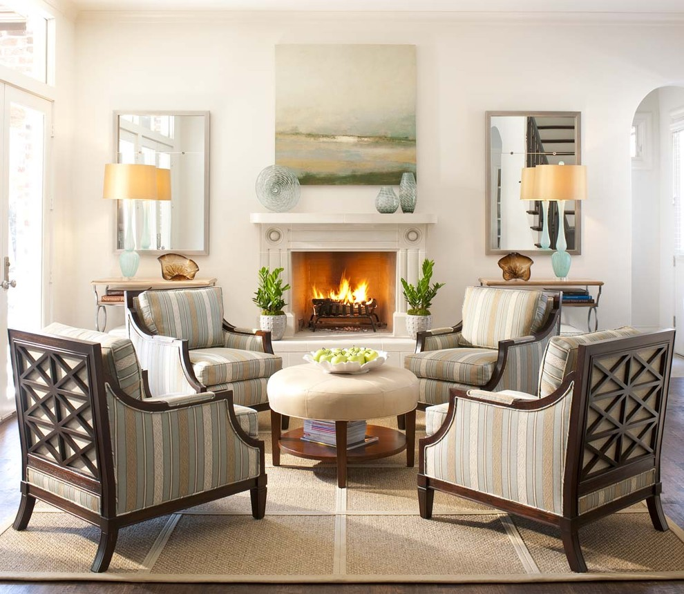 Transitional living room photo in Dallas