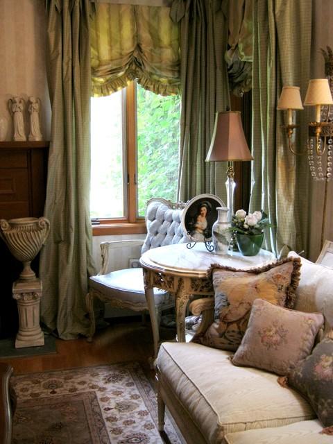Ellridge Residence traditional-living-room