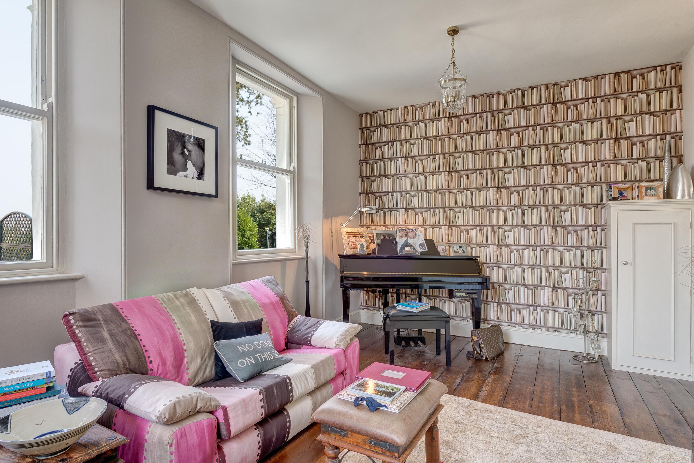Living Room Wallpaper Border Ideas Houzz
