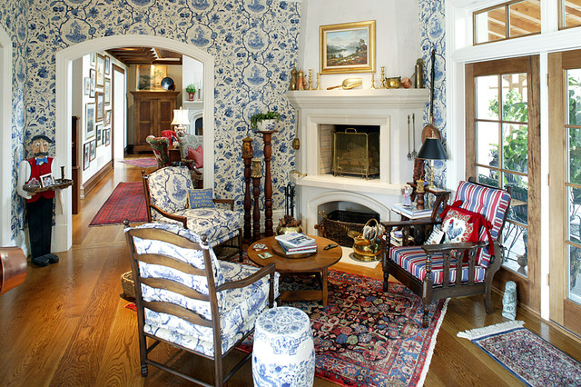 English Country House Traditional Living Room