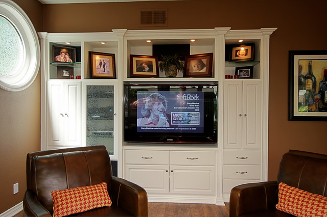 Entertainment Center traditional-living-room