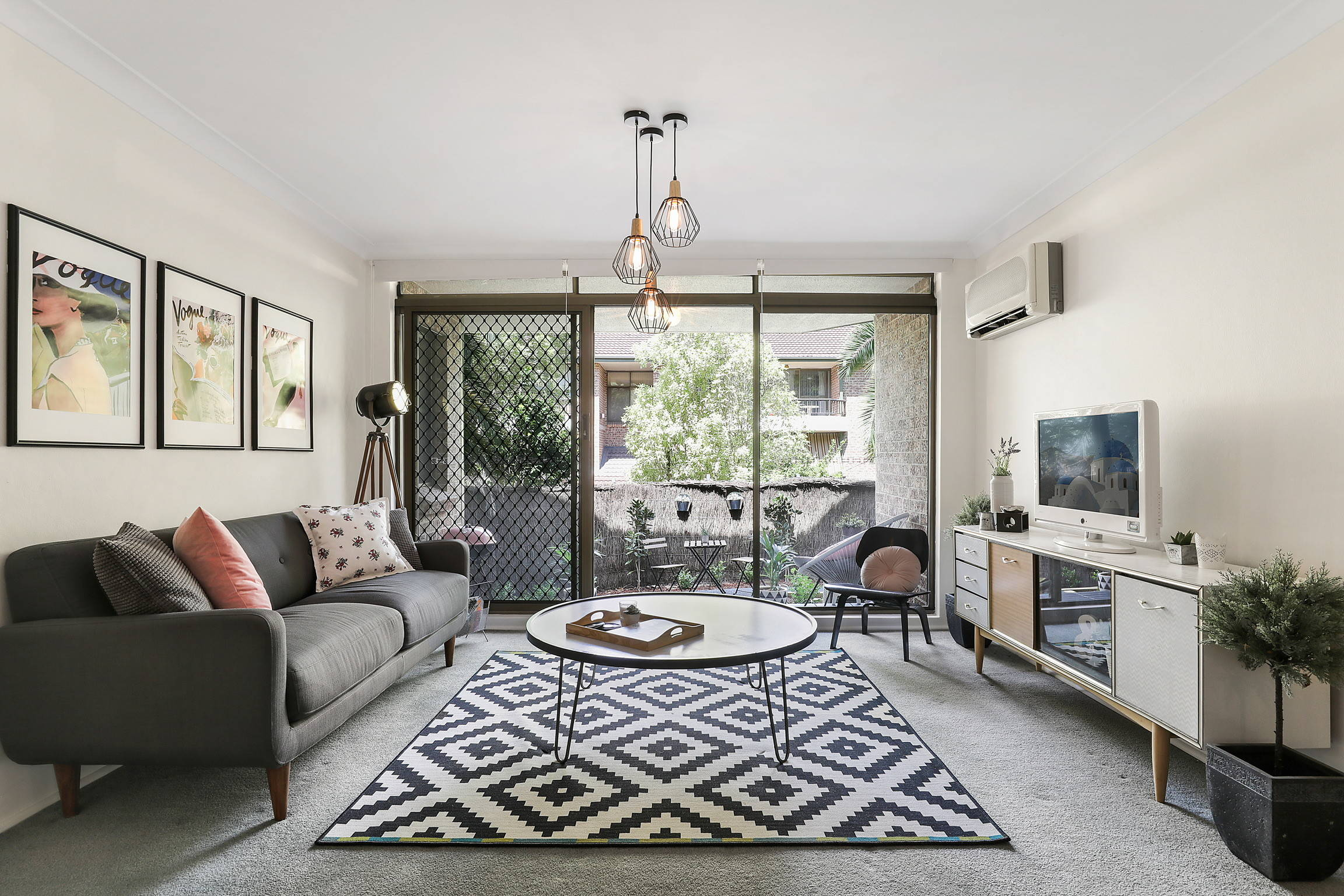 75 Beautiful Gray Living Room Carpet Pictures Ideas Houzz