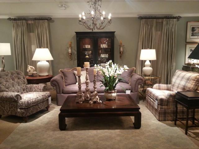 Ethan allen showroom for Ethan allen living room designs