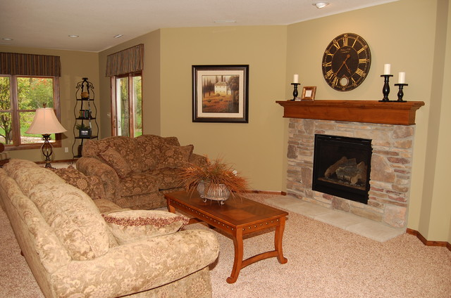 Everwood of Cottage Grove traditional-living-room