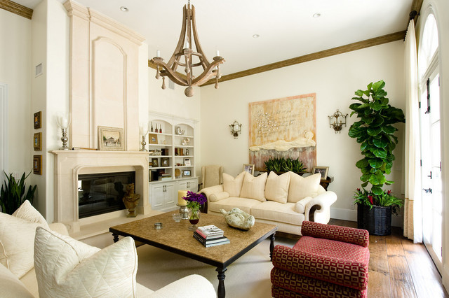 Family Home That Is Classic Warm Beachy And Beautiful Traditional Livi