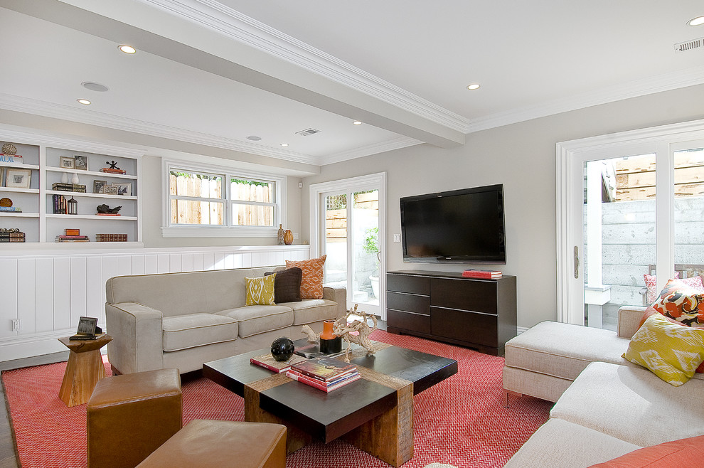 Large elegant living room photo in San Francisco with gray walls and a wall-mounted tv