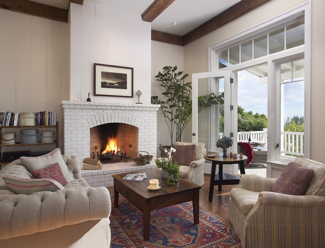 Traditional Living Room by Tom Meaney Architect, AIA