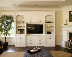 Farinelli Construction Inc traditional-living-room