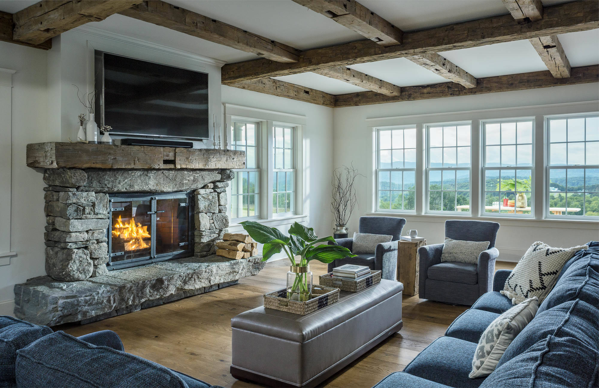 75 Beautiful Farmhouse Living Room With A Wall Mounted Tv Pictures Ideas March 2021 Houzz