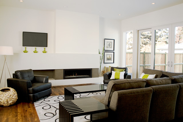 Fifth element concrete splash and fireplace surround - White walls living room ...