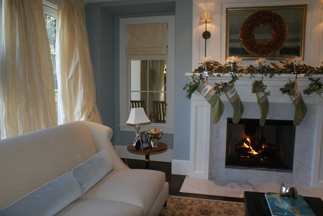Finishing Touches- Junior League of Palo Alto-Mid Peninsula Holiday House Tour traditional living room