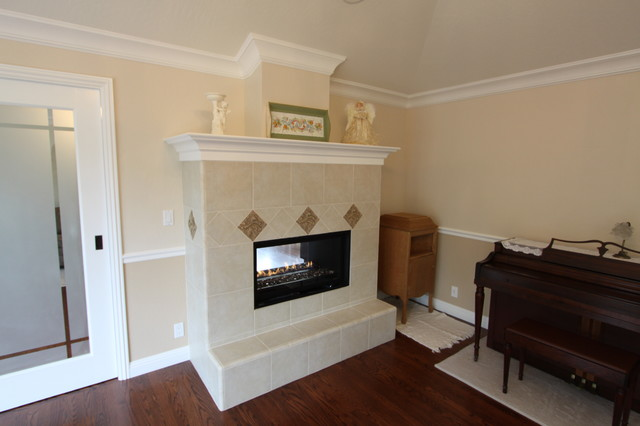 Fireplace traditional-living-room