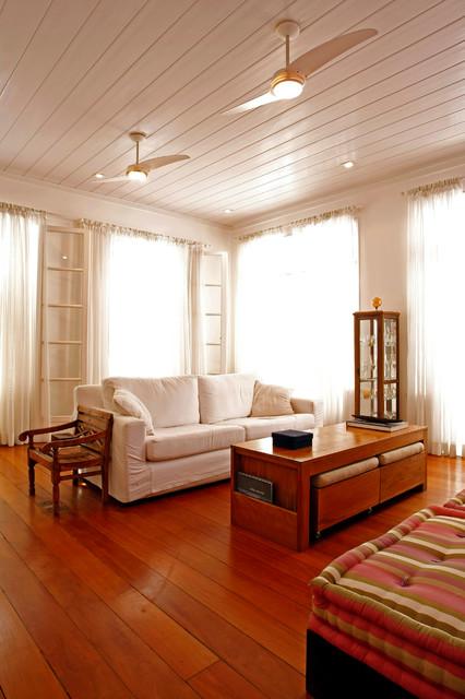 Flamengo contemporary-living-room