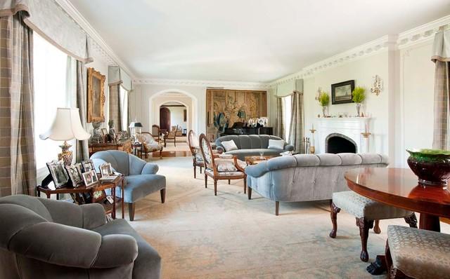 Florentine Dining Room: Florentine Living Room