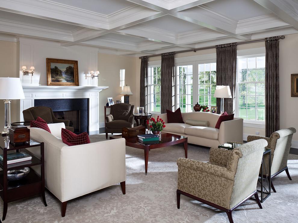 Repräsentatives, Mittelgroßes, Fernseherloses, Abgetrenntes Klassisches Wohnzimmer mit beiger Wandfarbe, Teppichboden, Kamin und grauem Boden in Minneapolis