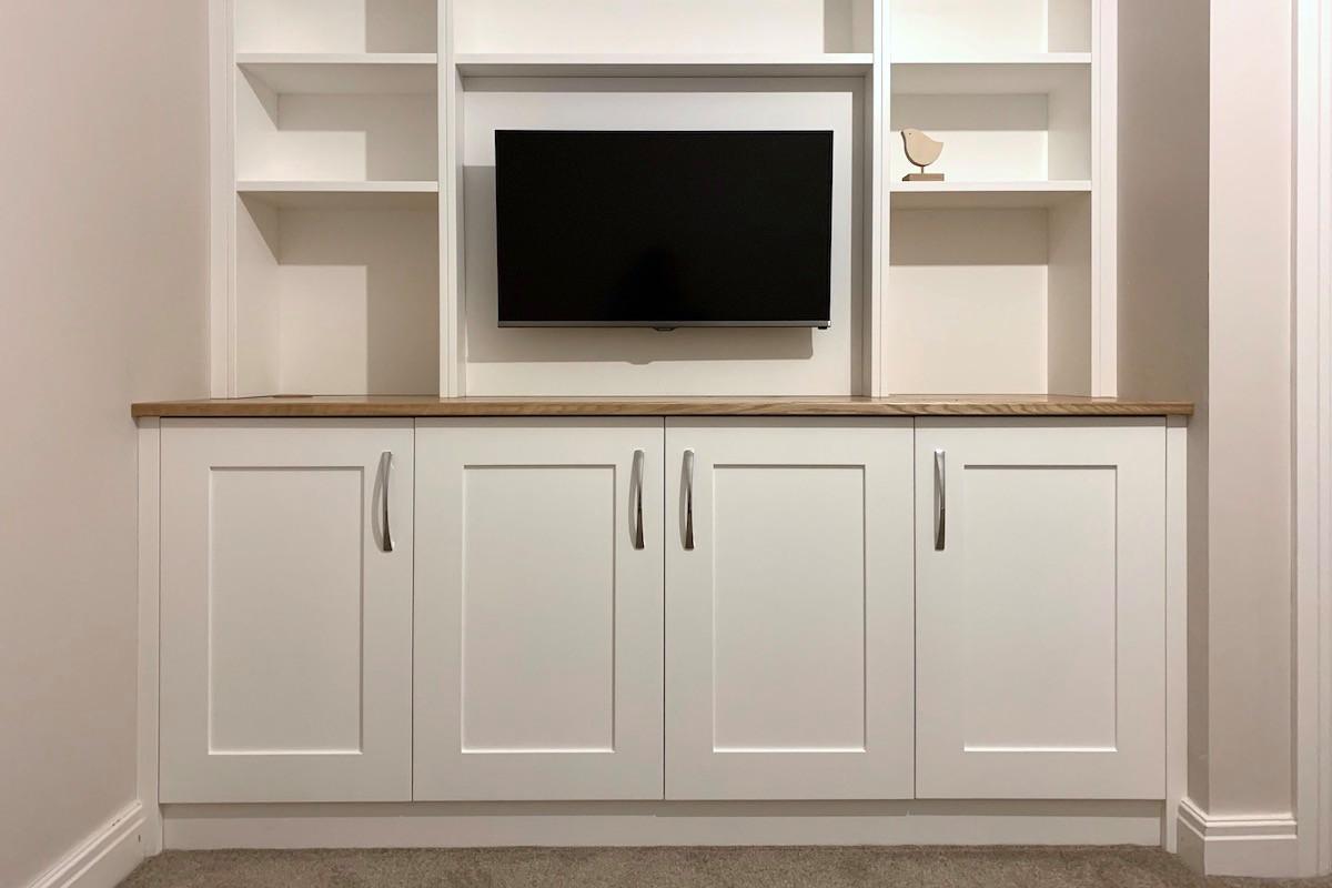 Four Door Alcove TV Cabinet with Shaker Doors