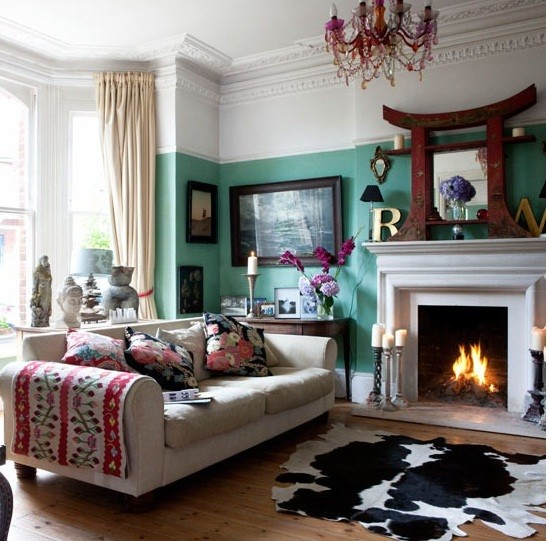 Eclectic Furnishings: Frames In Corner, Eclectic, Decor, Colors