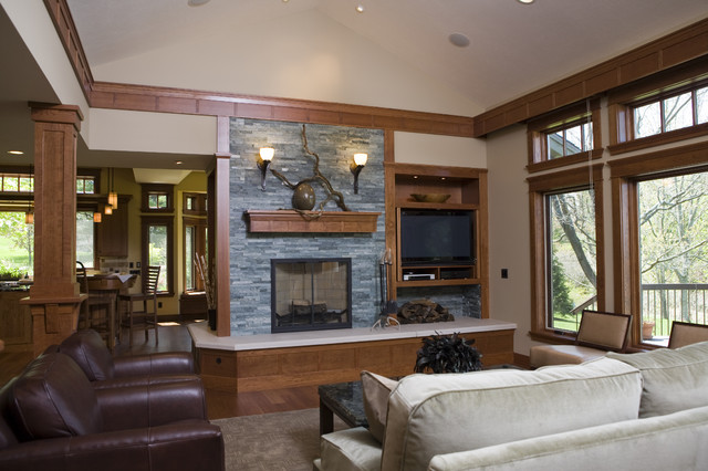 Frank lloyd wright inspired home traditional living for Frank lloyd wright interior designs