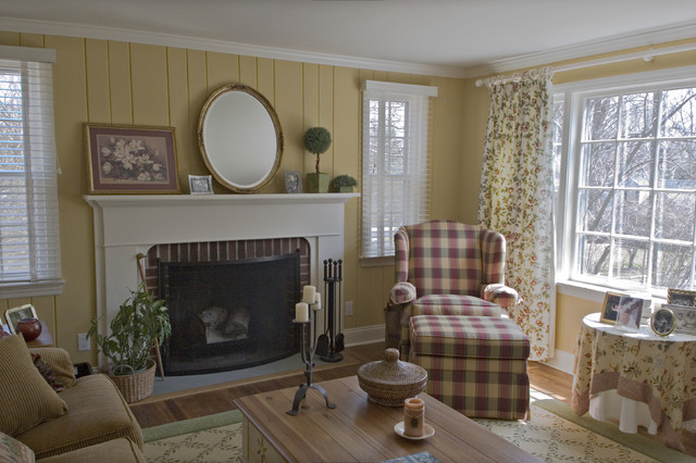 French Country Home Farmhouse Living Room Bridgeport By Simply Baths Showcase Kitchens