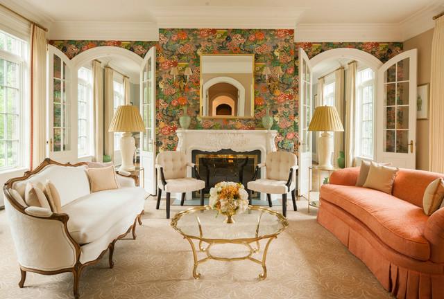 Foto de salón para visitas cerrado, clásico, con paredes multicolor y chimenea tradicional