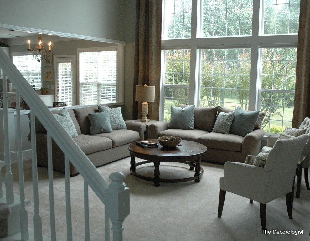Example of a trendy living room design in Nashville