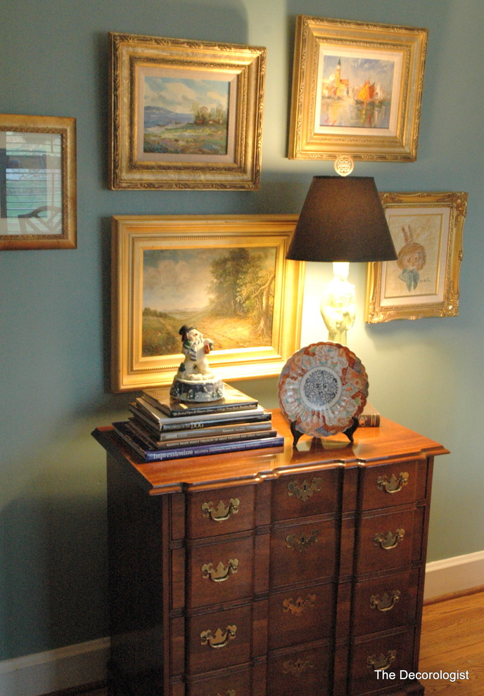 Inspiration for a timeless living room remodel in Nashville