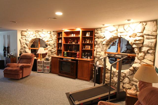 Garner Quartz Stone Front New Home traditional-living-room