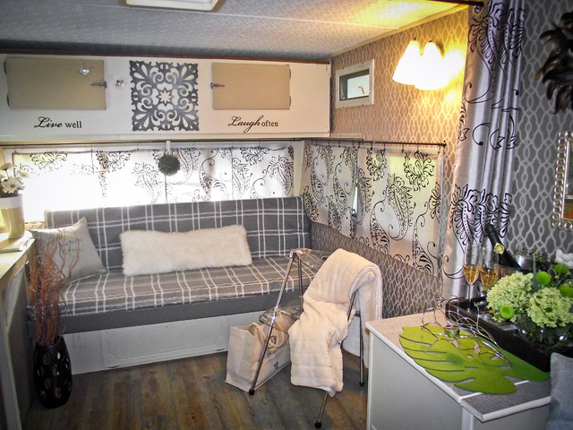 Glamper 1976 Trailer Update Traditional Living Room