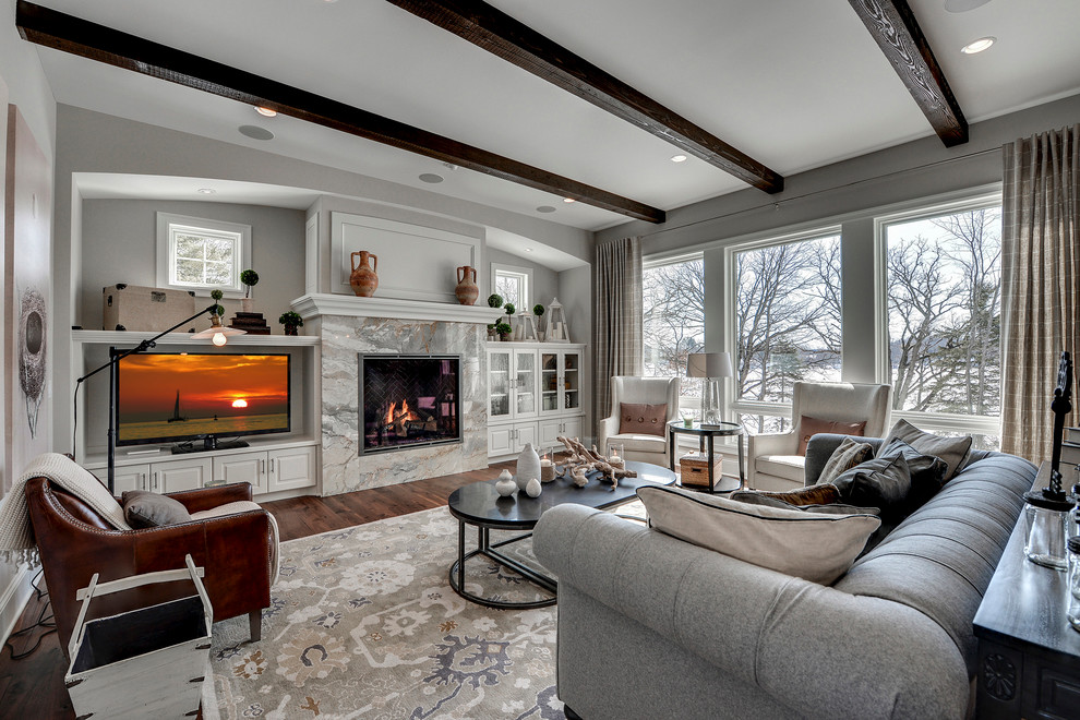 What Kind of Windows Should I Have in My Living Room?
