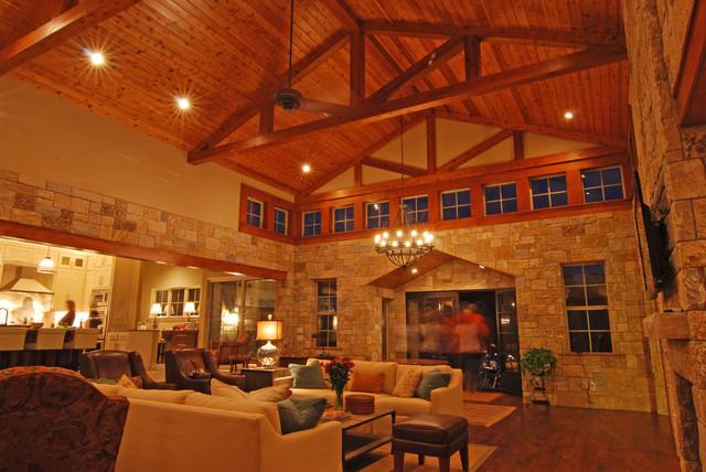 Granbury Lake House modern-living-room