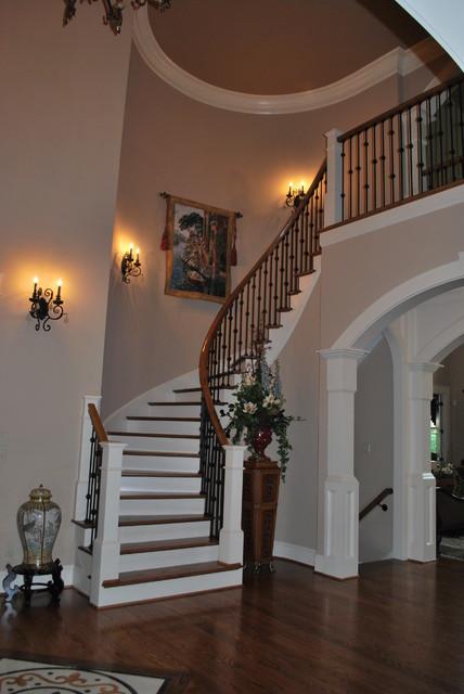 Grand Living Room: Grand Foyer/Living Room