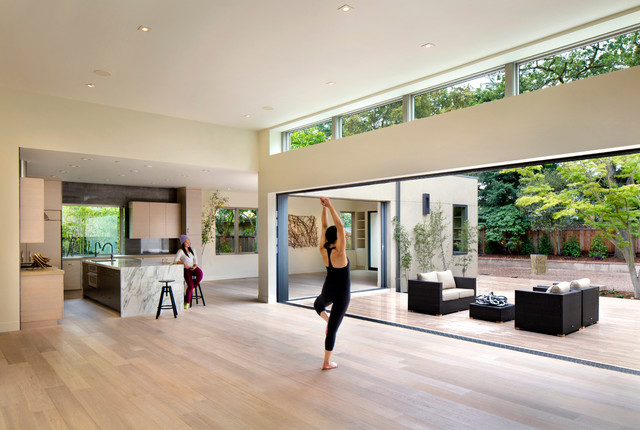 Open Great Room And Courtyard Modern Living Room San