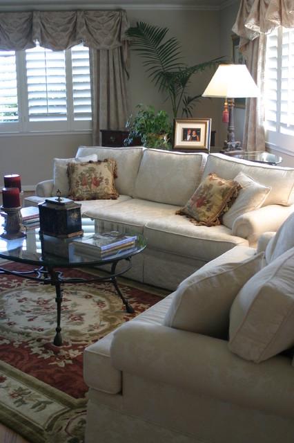 Grisell Navas traditional-living-room