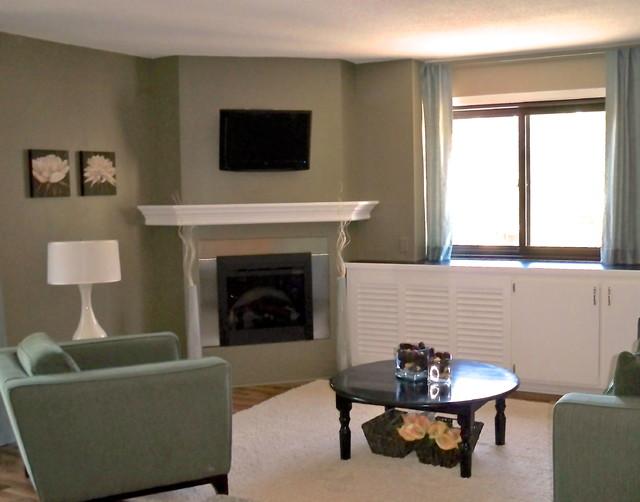 Groveland Ave Condo traditional-living-room