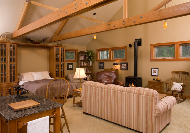 Guest House traditional-living-room