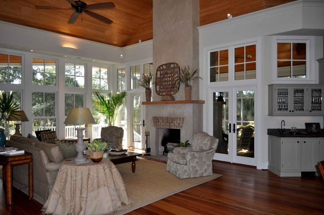 Guida REsidence traditional living room