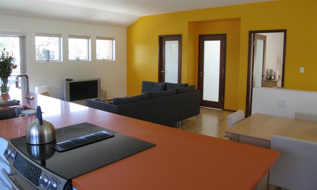 H²O contemporary-living-room