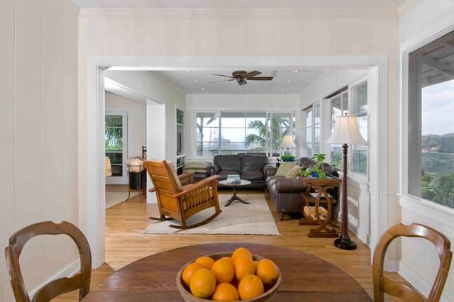 Hale Kalawahine tropical-living-room