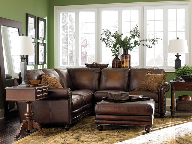 Single sectional bassett living room furniture