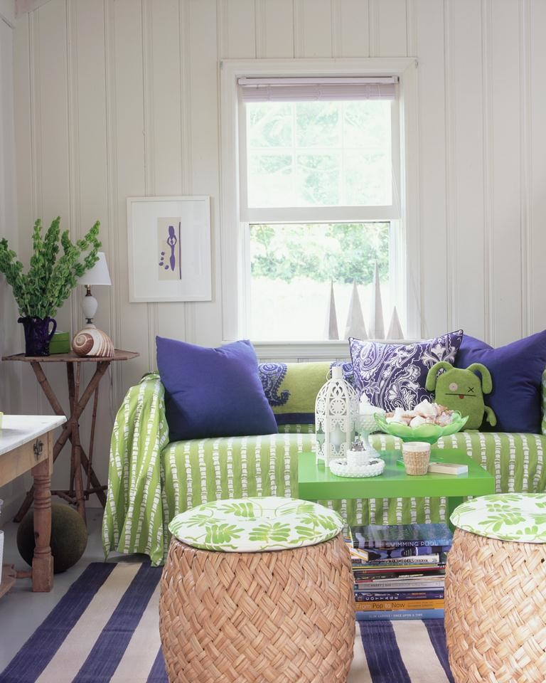 Example of a coastal living room design in New York