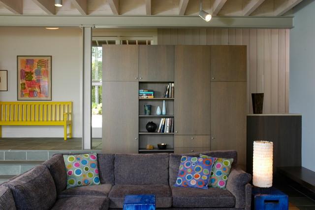 Hamptons industrial modern farmhouse for Industrial farmhouse family room